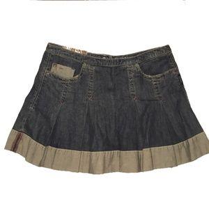 "Silver jeans denim skirt pleated ""Simone"" size 28"""